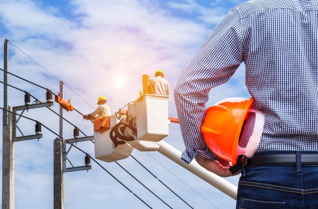 Unterweisung zur Elektrosicherheit: Jede Mitarbeiterin und jeder Mitarbeiter muss sie durchlaufen!