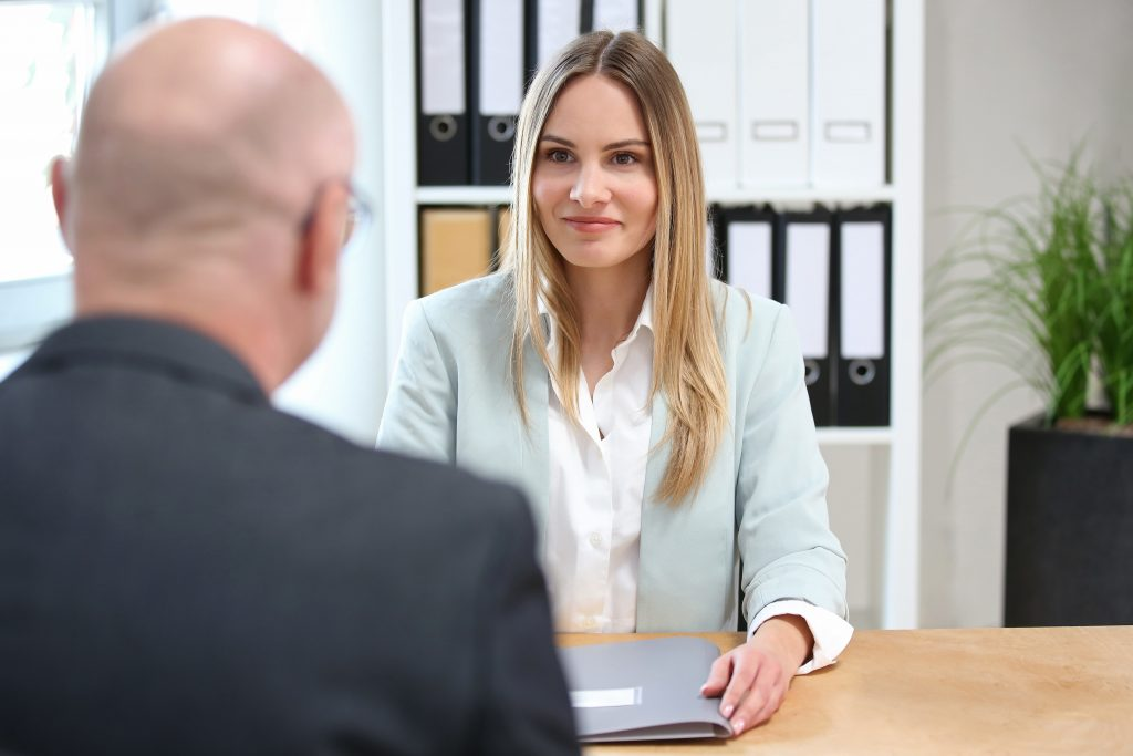 Betriebsarzt Pflichtstunden in Unternehmen